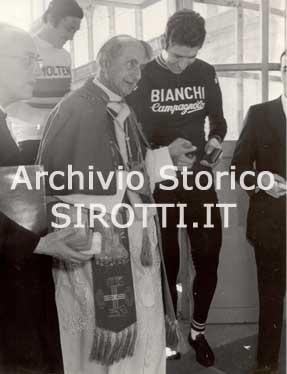 SPORT giro ditalia papa 1972
