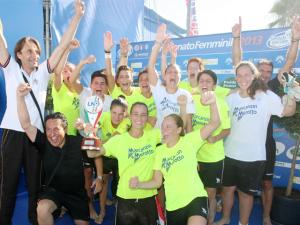I festeggiamenti per lo scudetto del Mestre Beach Soccer (www.lnd.it)