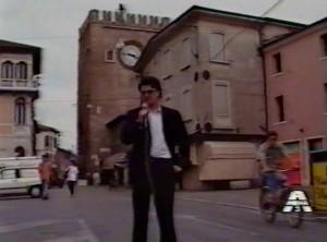"""Luca Pes nella rubrica """"Antefatti"""" di Antenna 3 Veneto (1989)"""